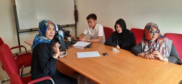 Korban Hacker WhatsApp Susetyowati Mendatangi Kantor Polres Jakarta-Pusat