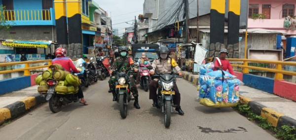 Tiga Pilar Kelurahan Sunter Agung Sosialisasi Keliling Upaya Pencegahan Penularan COVID-19